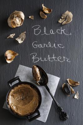 Beurre à l'ail noir